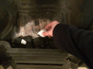 Firelighters to start a fire
